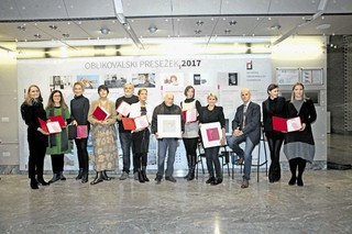 "Ljubica Suna Čehovin awarded by the Slovenian Designers Association for her ""Gregor Ftičar: Solo"" album design <em>Photo: Franci Virant</em>"