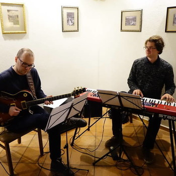 Duo with Jaka Zaletelj (gtr), Kamnik (SLO), 2017 <em>Photo: Rotovž Kamnik</em>